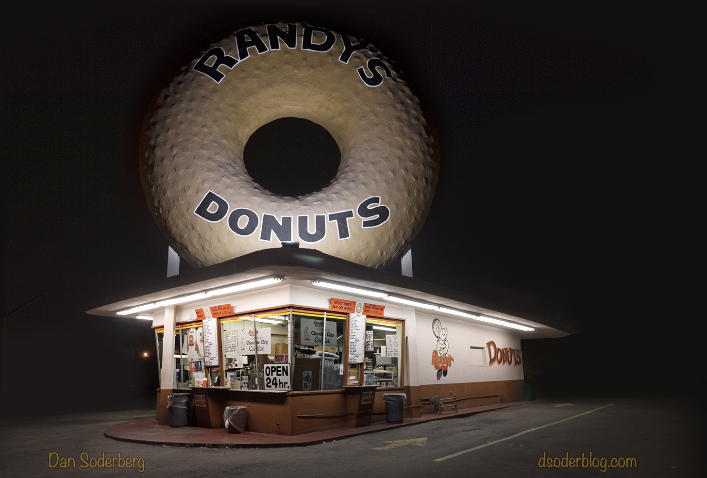 randys-donuts-8_13_09_dsc0311alt