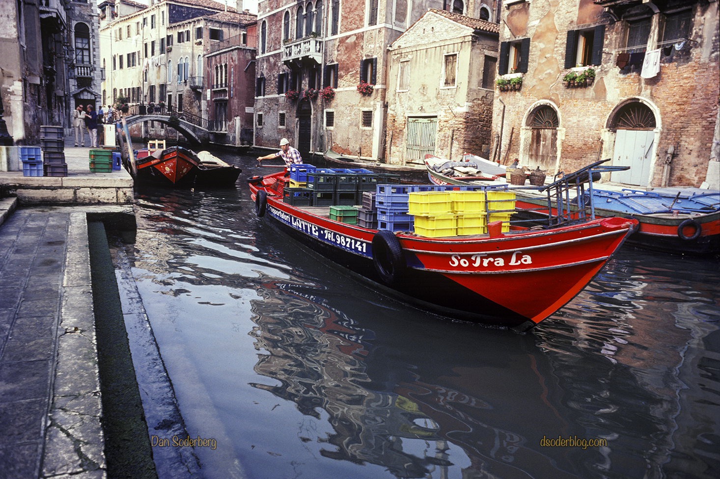 venice-so-tra-la-milk-boat