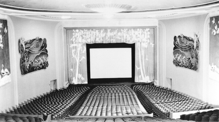 interior-of-the-alexandria-theater-1942b